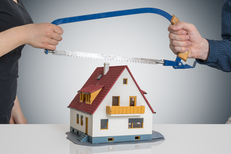 Dividing the family home and mortgage during divorce or dissolution