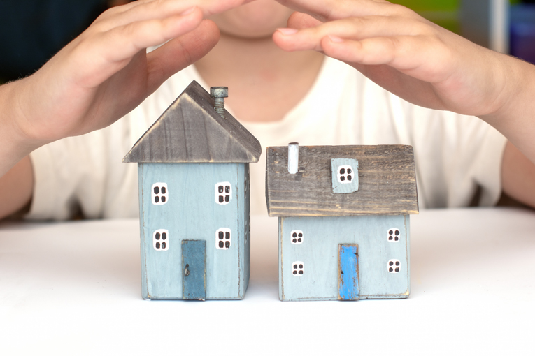 Do you need indemnity insurance when buying a house?